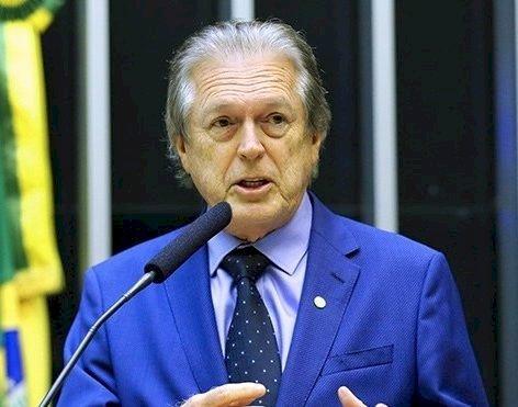 Luciano Bivar: PSL não está base do governo e nem fará parte