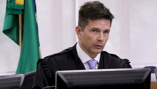 Desembargador passou caso Lula na frente de 257 processos que estavam na fila do TRF-4