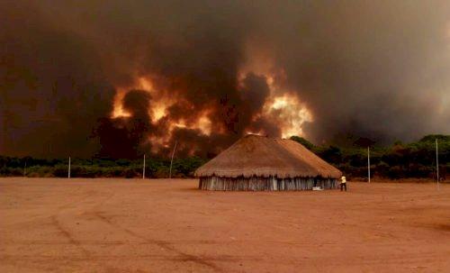 Por que o Brasil pega fogo