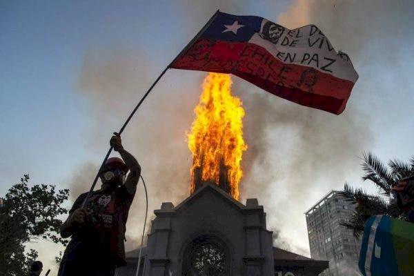 A lição do Chile: sem organização e mobilização popular, nada vai mudar no Brasil.