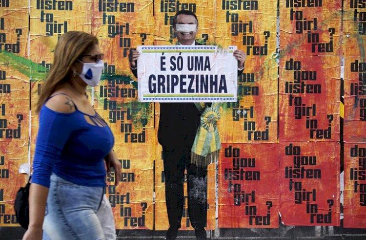 Direita dos EUA financiafake newsno Brasil