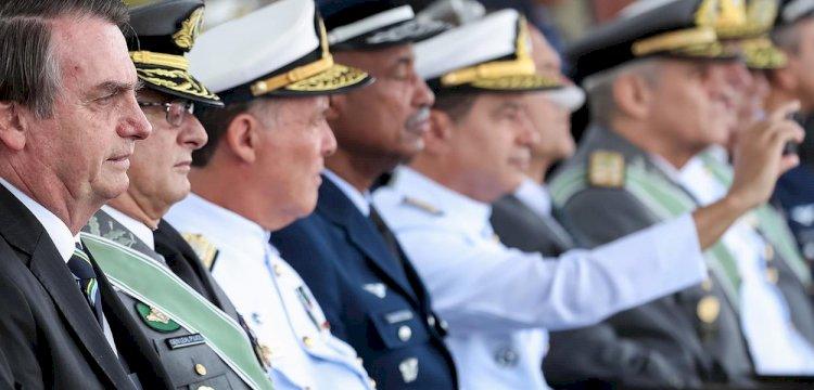 """Projeto de lei """"antigolpe"""" de Paulo Teixeira será discutido na Câmara: """"Bolsonaro é um perigo ambulante"""""""