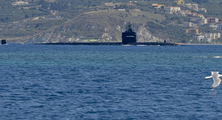 Denuncian la presencia de un submarino nuclear de Estados Unidos junto a aviones británicos cerca de Malvinas
