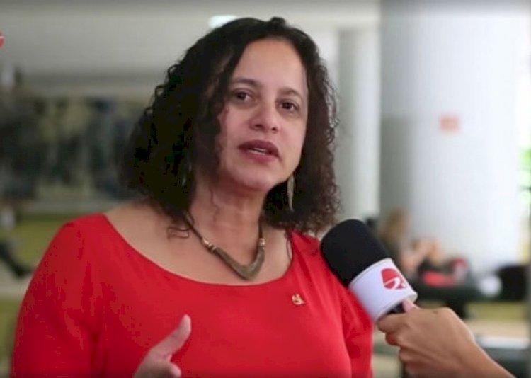 """Luciana Santos: """"O tempo presente e futuro é do socialismo"""""""