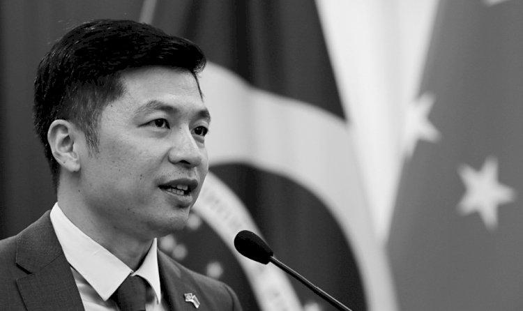 ENTREVISTANDO QU YUHUI: OS DESAFIOS DA CHINA