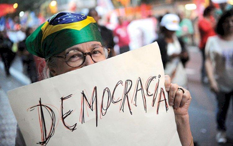 Federações partidárias para modernizar o sistema político brasileiro