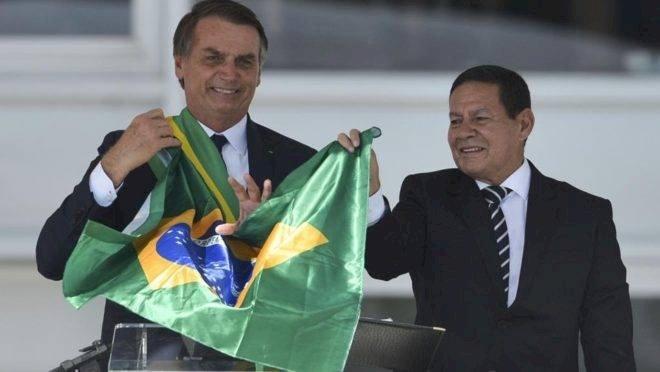 Militares, empresários e políticos conspiram para tirar Bolsonaro das eleições
