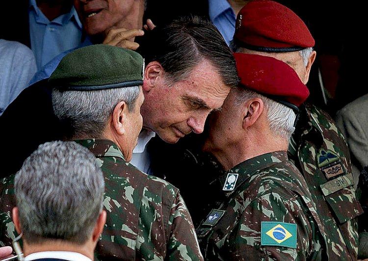 Janio: o bolsonarismo do Exército não é errático, mas plano alucinado
