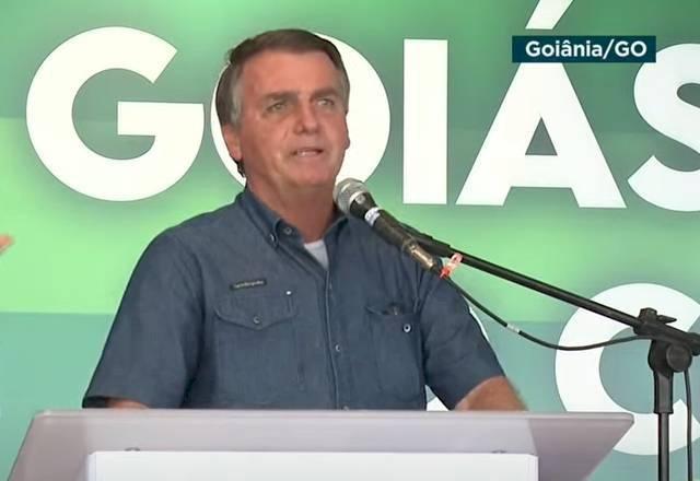 """Em culto evangélico, Bolsonaro diz que """"tudo tem limite"""""""