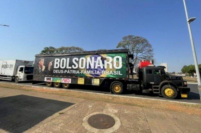 """Recuo de Bolsonaro das ameaças ao STF causa curto-circuito na base de apoiadores: """"Game over"""""""