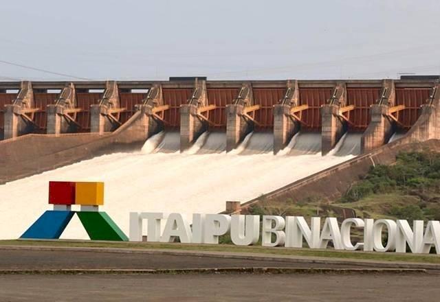 Governo cria estatal para administrar Itaipu e usinas nucleares